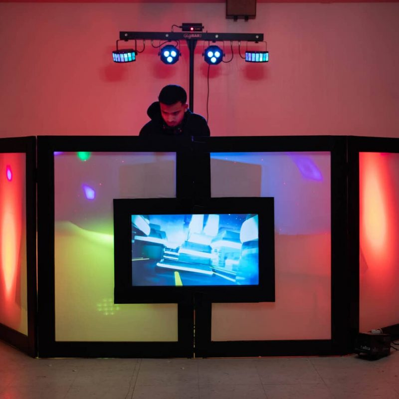 Party Gear DJ lighting setup