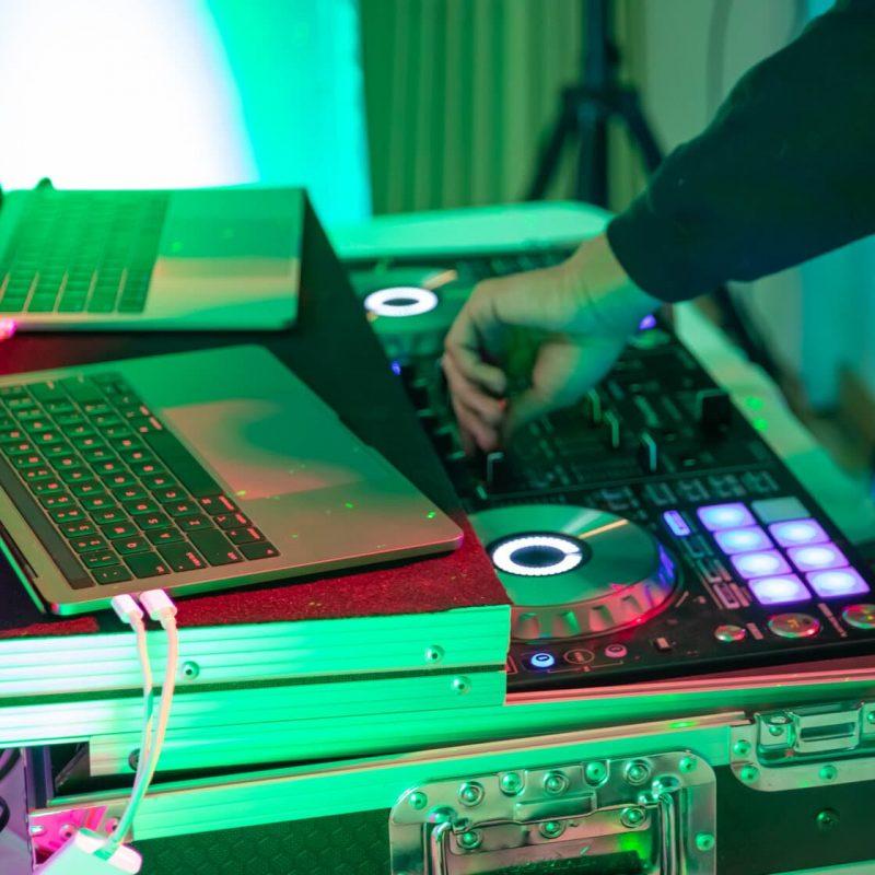Party Gear DJ controller setup